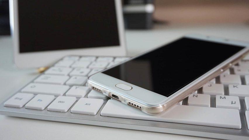 5 aplikací do mobilu pro ženy, které vám usnadní život