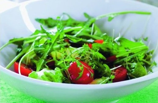 Salát s avokadem a mozarelou
