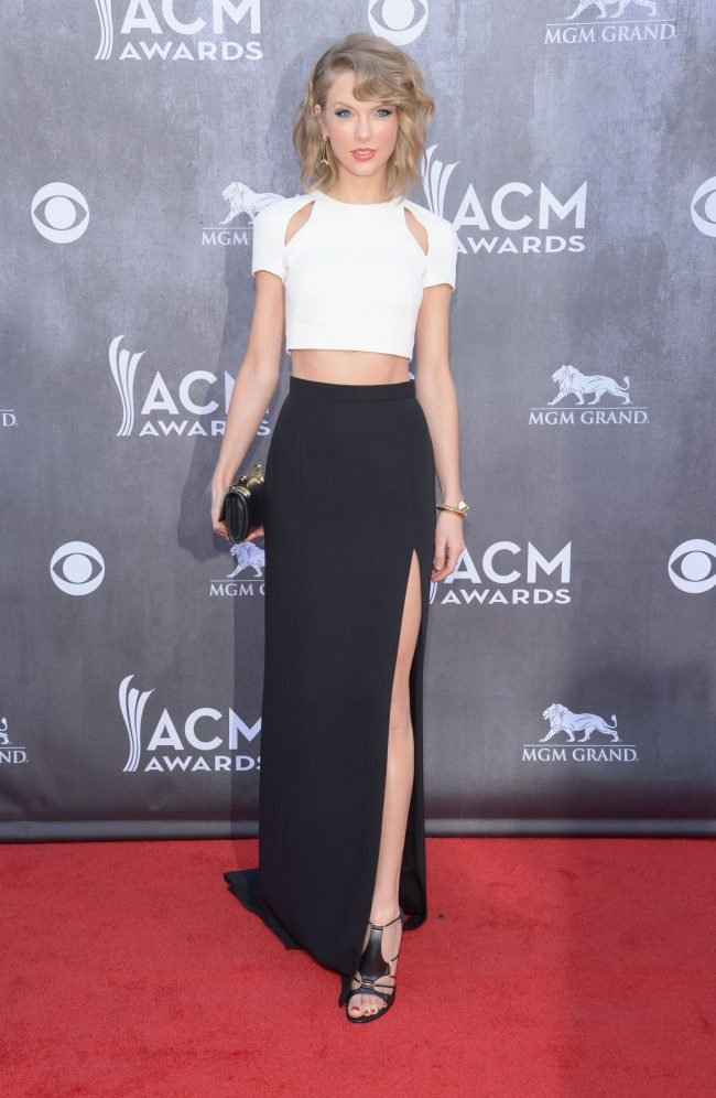total black taylor swift style